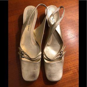 Marc Jacobs soft gold dress shoe